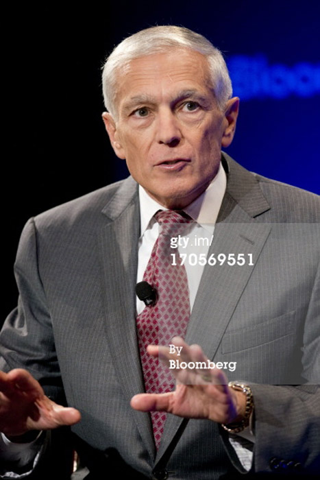Washington DC makeup artist Fine Makeup Art & Associates did makeup for General Wesley Clark for Bloomberg TV